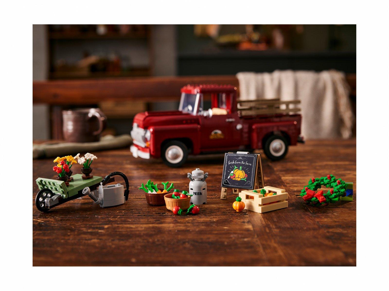 LEGO Pickup 10290