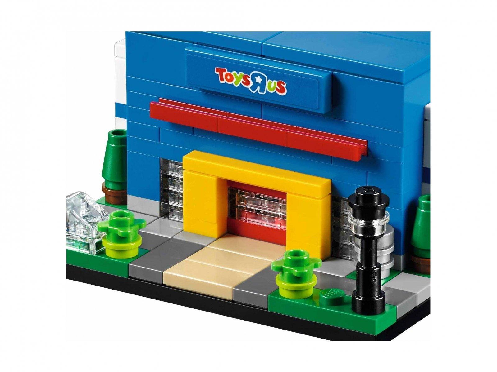 "LEGO 40144 Bricktober Toys""R""Us Store"