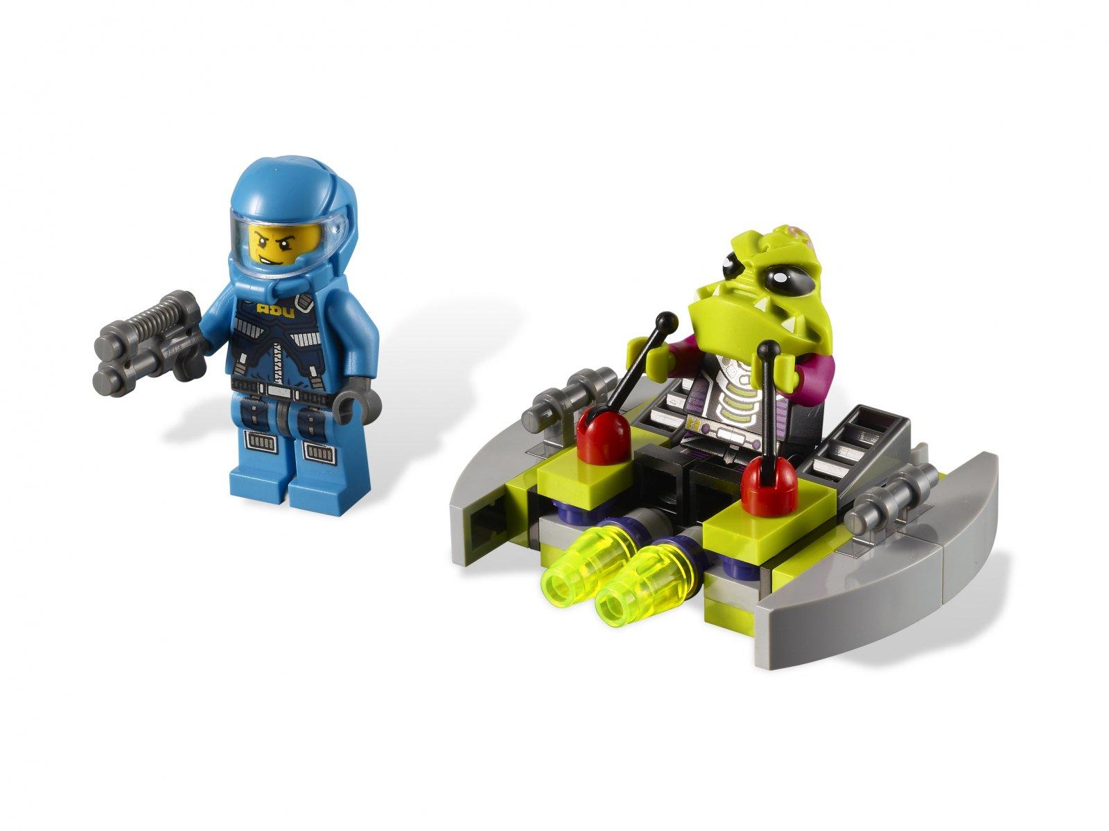 LEGO Alien Conquest 7049 Alien Striker