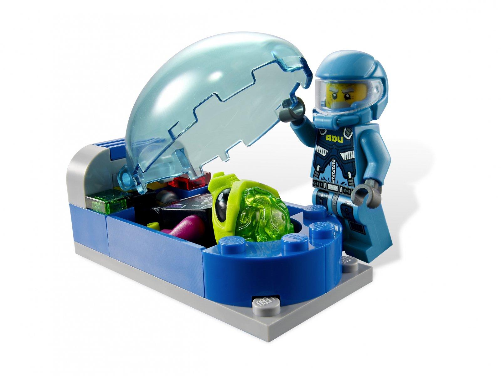 LEGO 7066 Earth Defense HQ