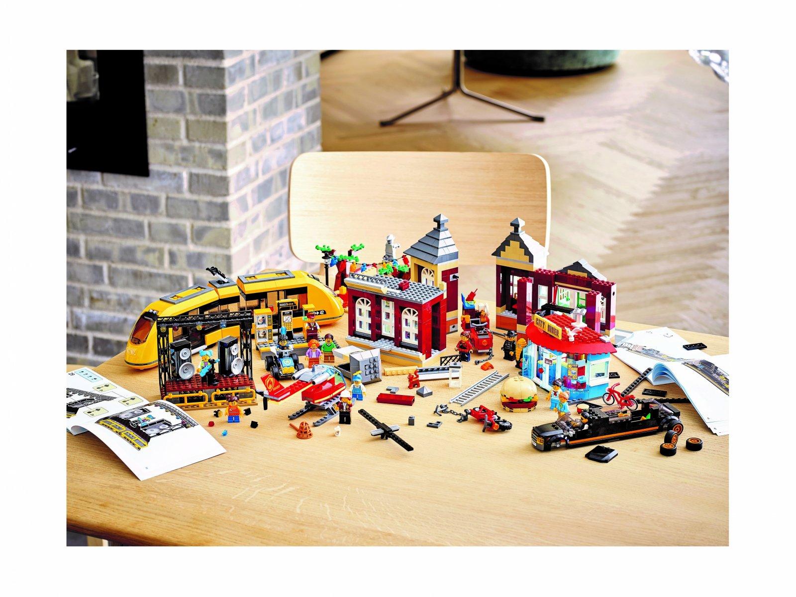 LEGO 60271 Rynek