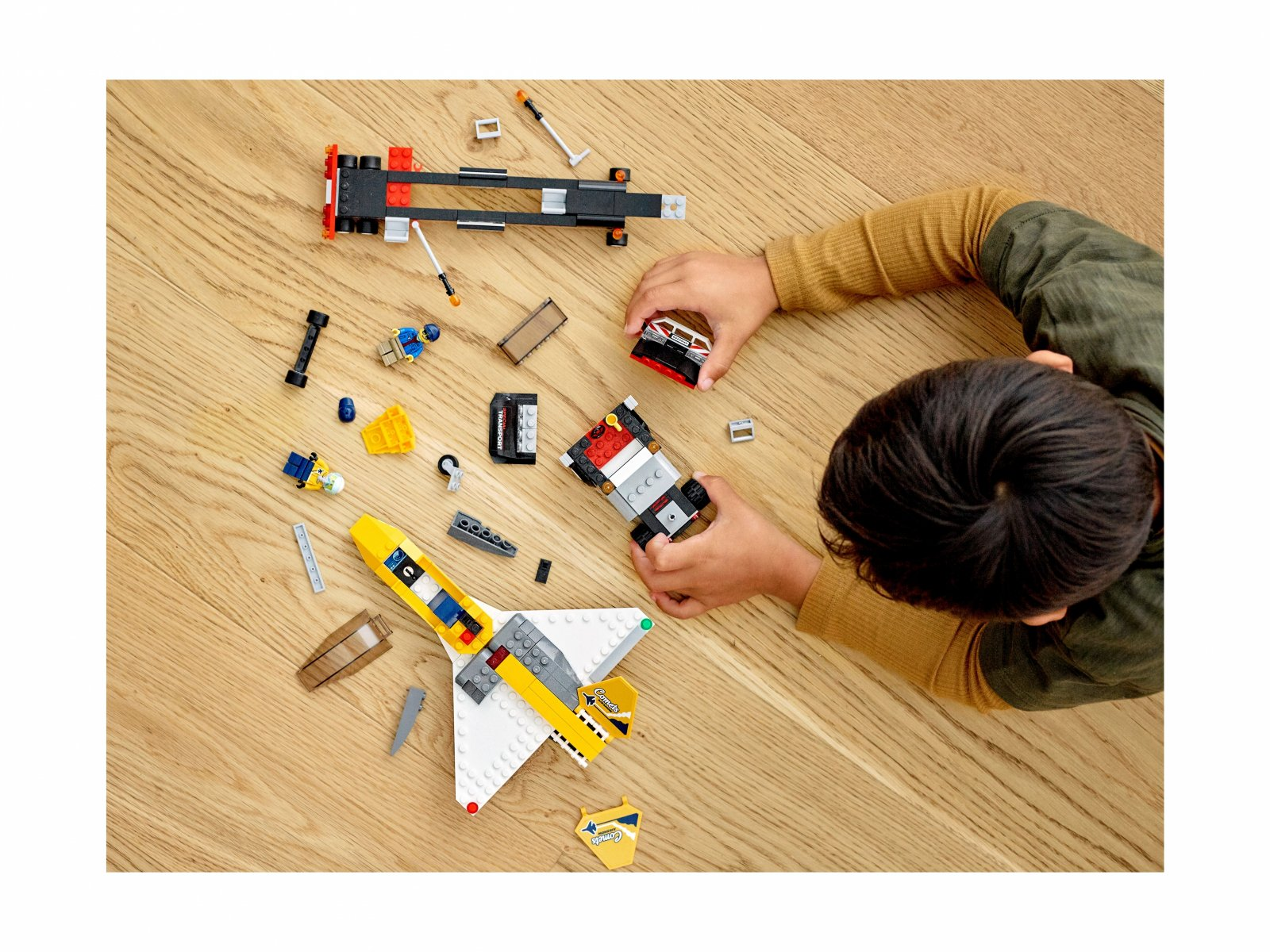 LEGO 60289 Transporter odrzutowca pokazowego