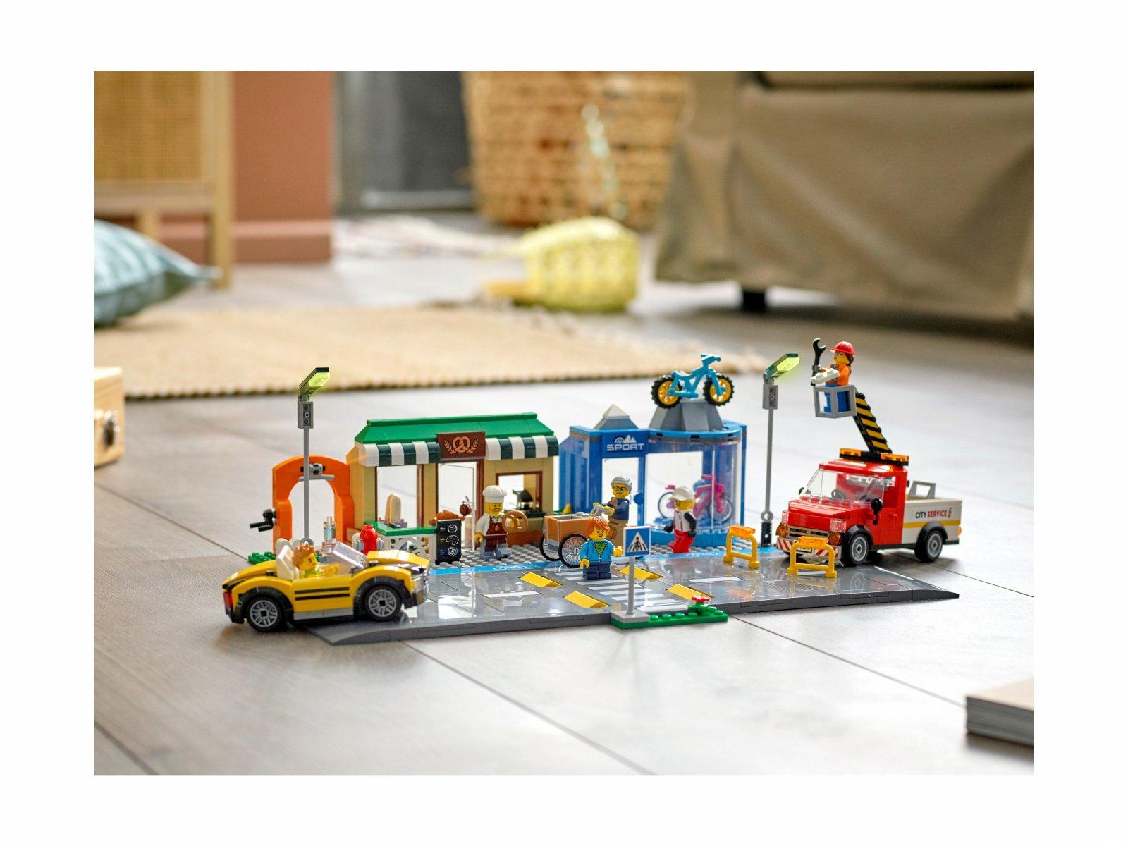 LEGO 60306 City Ulica handlowa