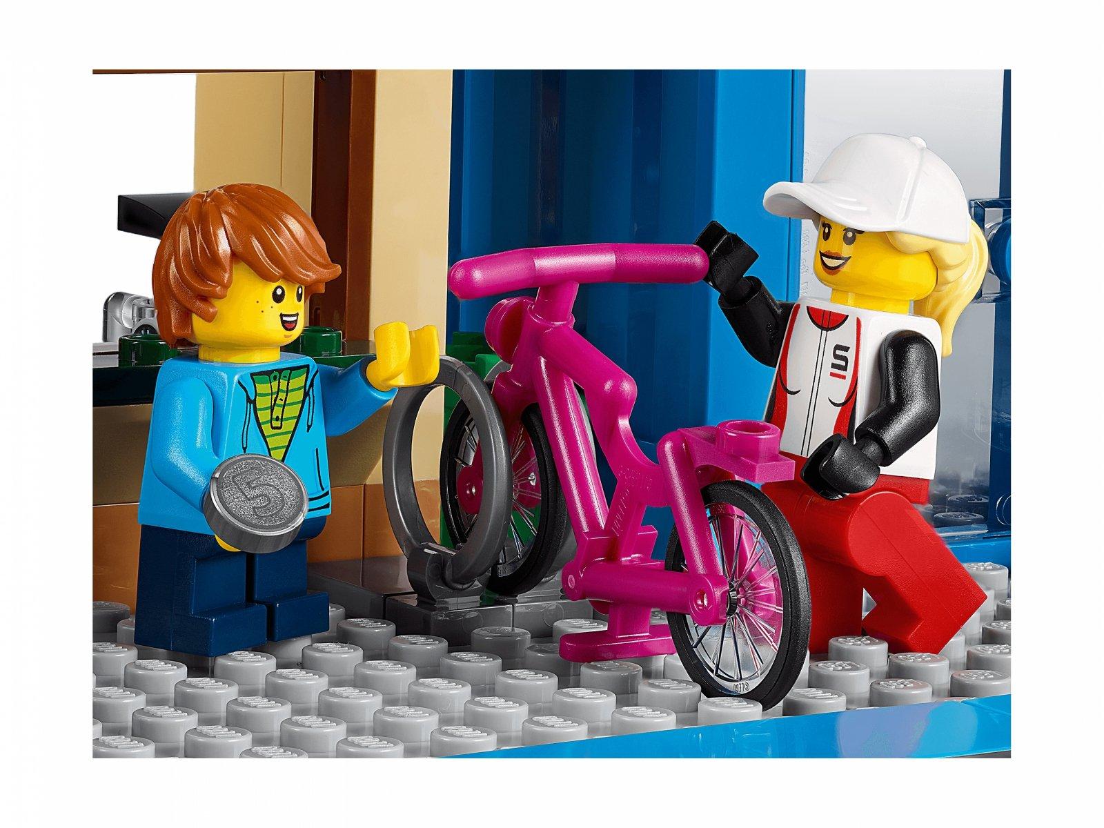 LEGO City Ulica handlowa 60306
