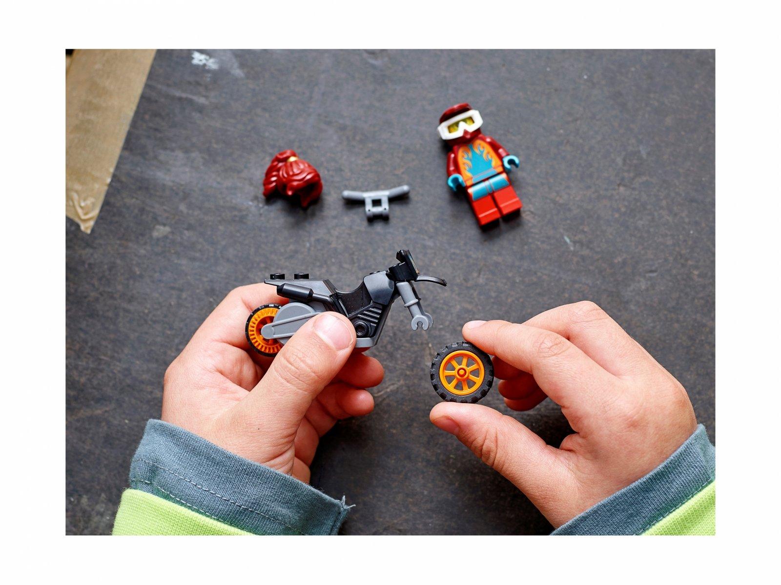 LEGO City Ognisty motocykl kaskaderski 60311