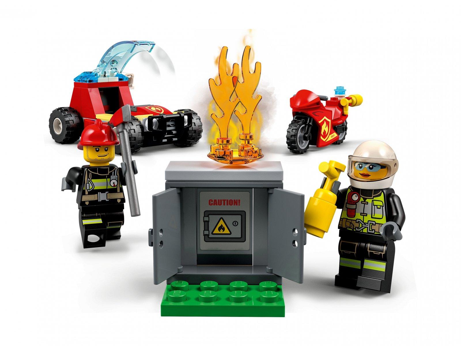 LEGO 77943 City Remiza strażacka — zestaw startowy