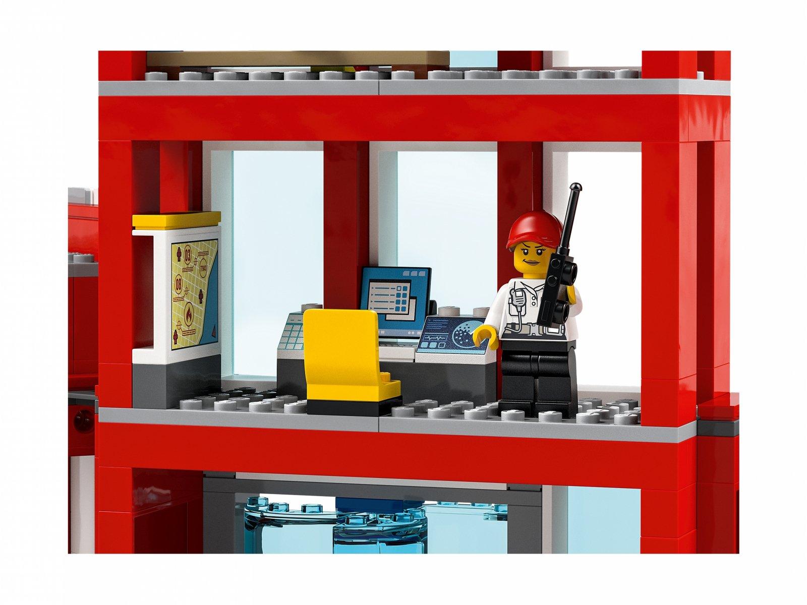 LEGO City Remiza strażacka — kwatera główna 77944
