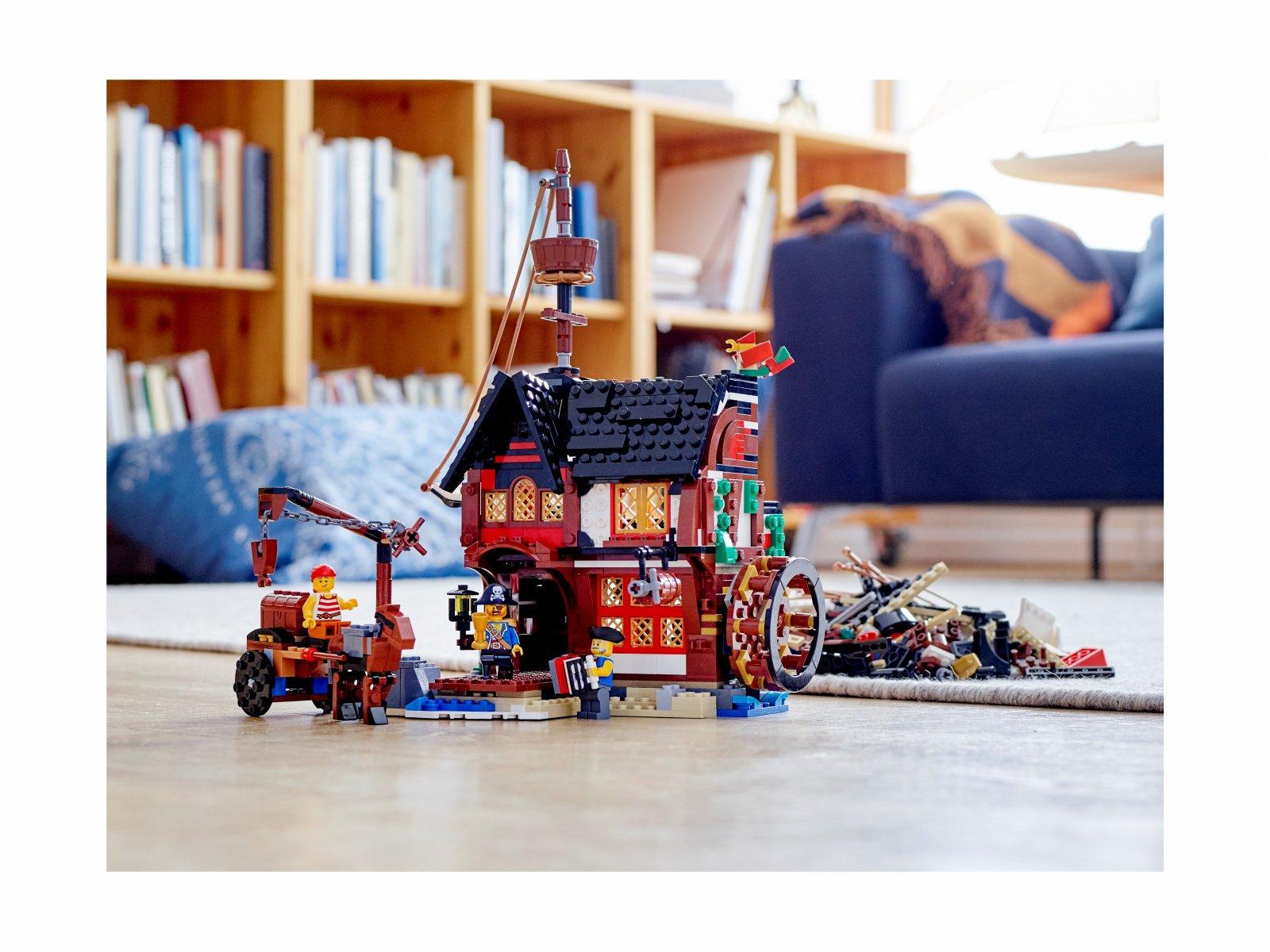 LEGO Creator 3 w 1 31109 Statek piracki