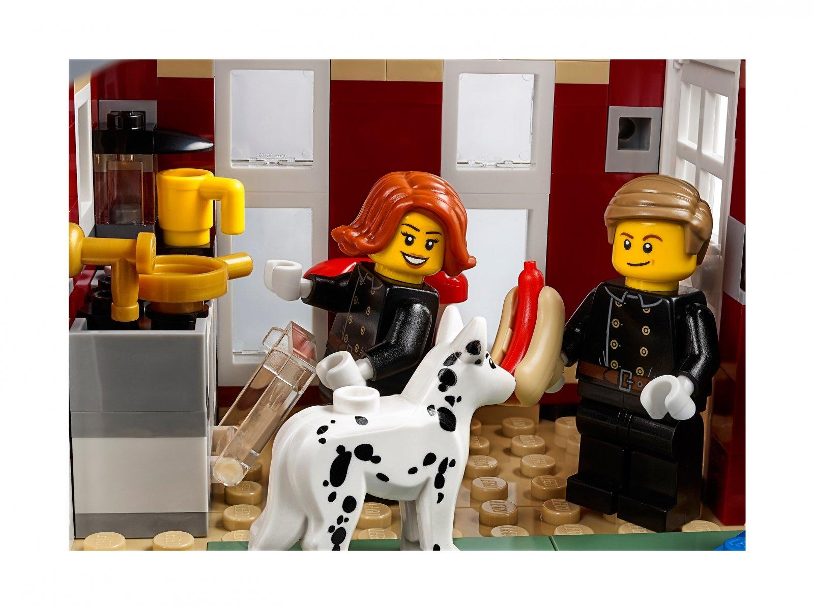 LEGO Creator Expert Remiza strażacka w zimowej wiosce