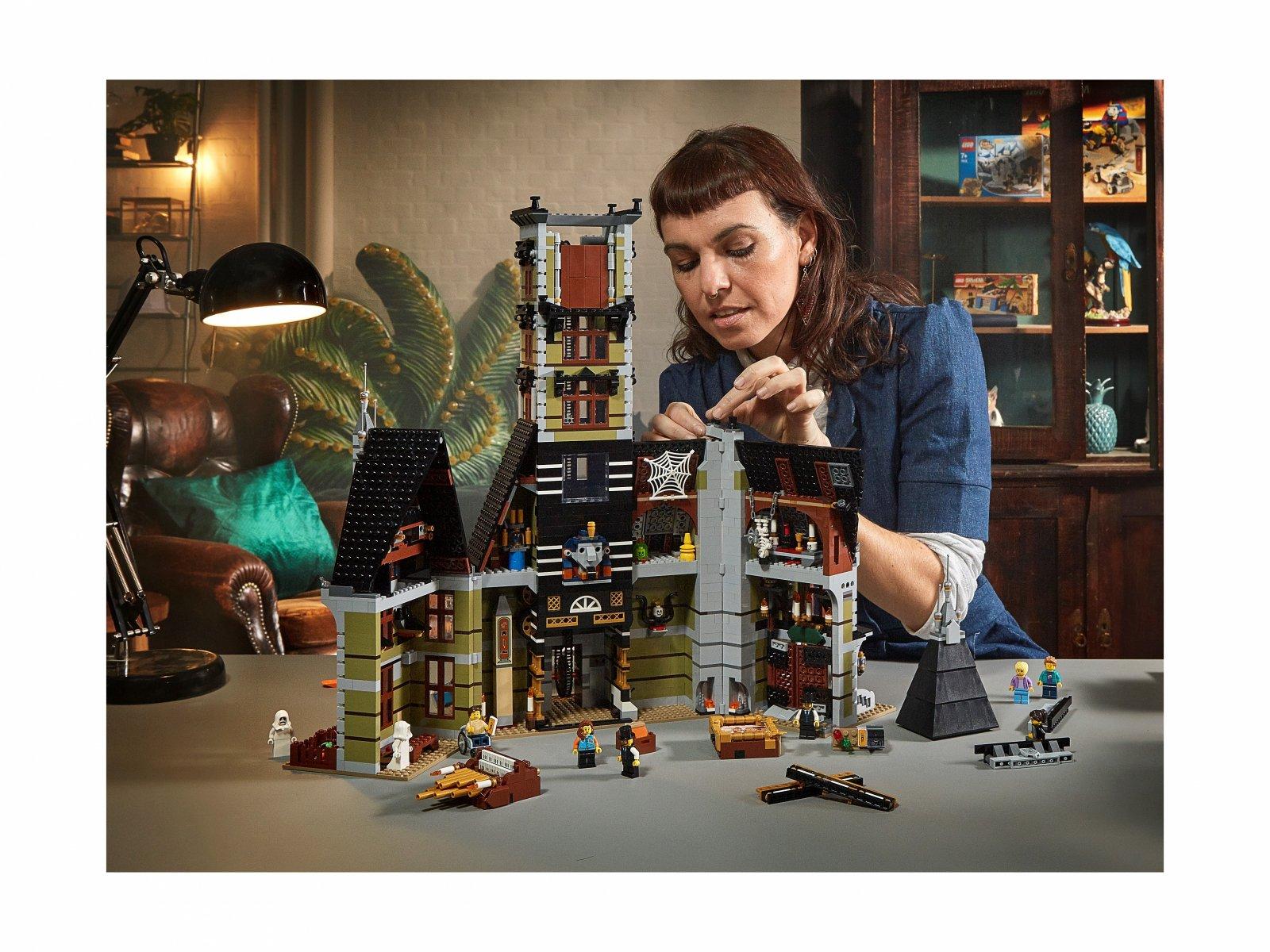 LEGO 10273 Dom strachu