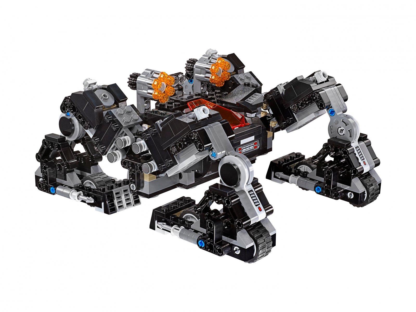 LEGO 76086 Atak Knightcrawlera w tunelu