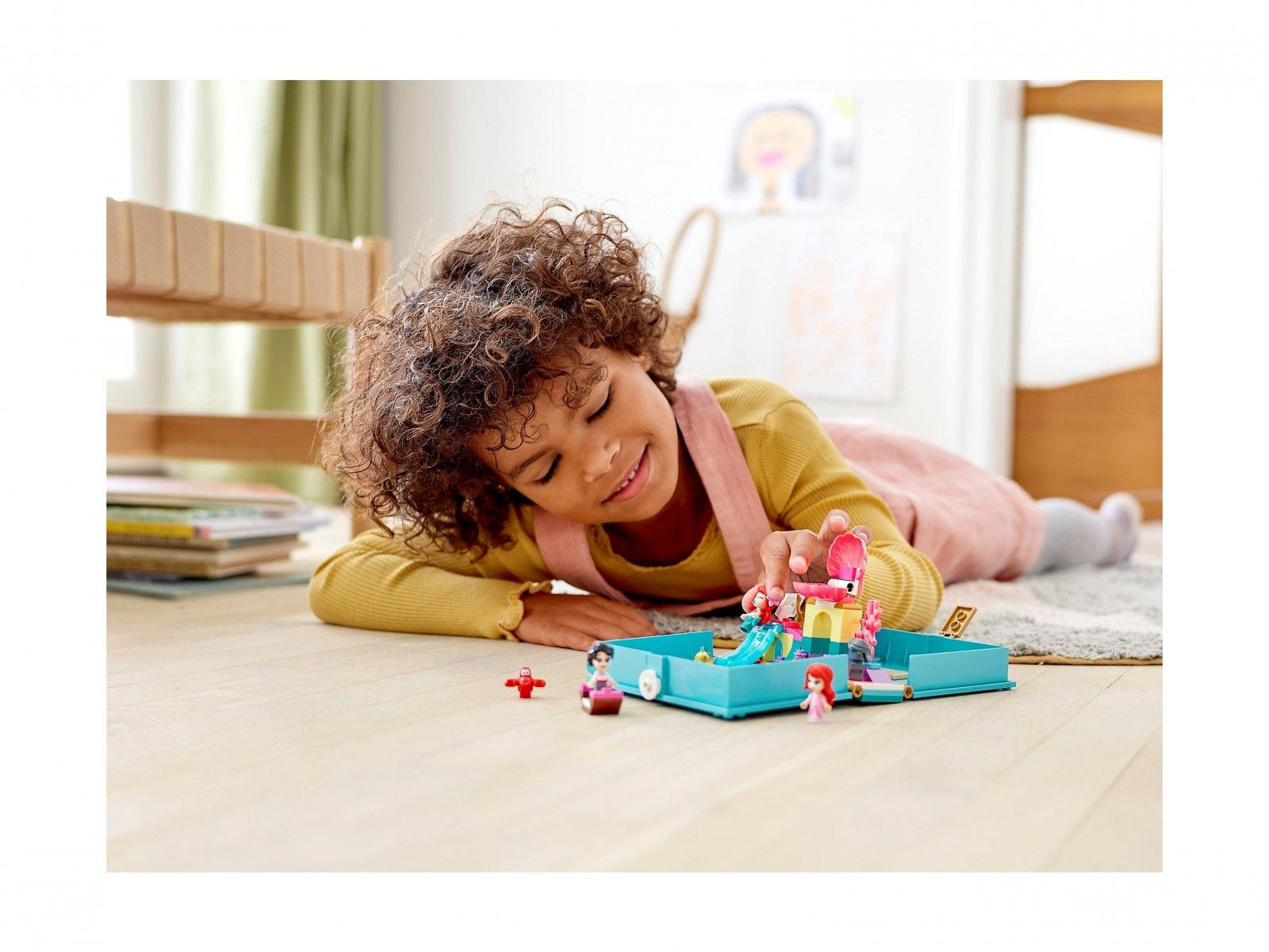 LEGO 43176 Disney™ Książka z przygodami Arielki