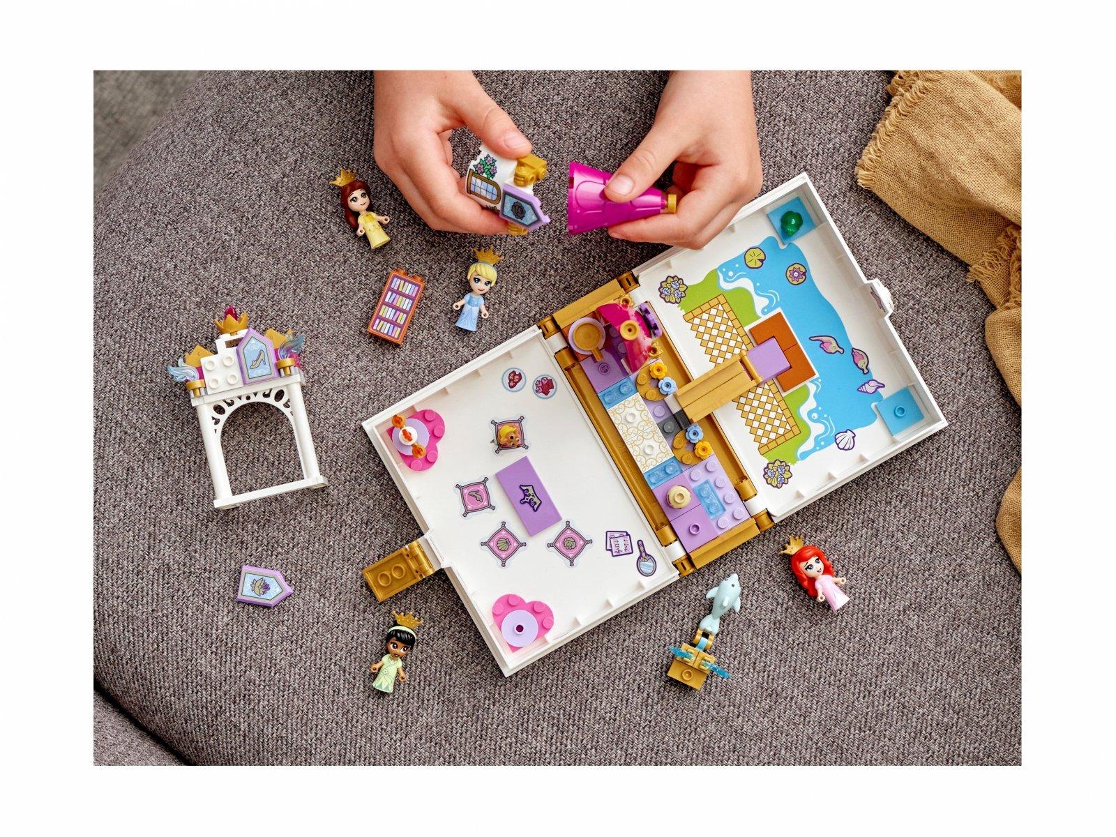 LEGO Disney 43193 Książka z przygodami Arielki, Belli, Kopciuszka i Tiany