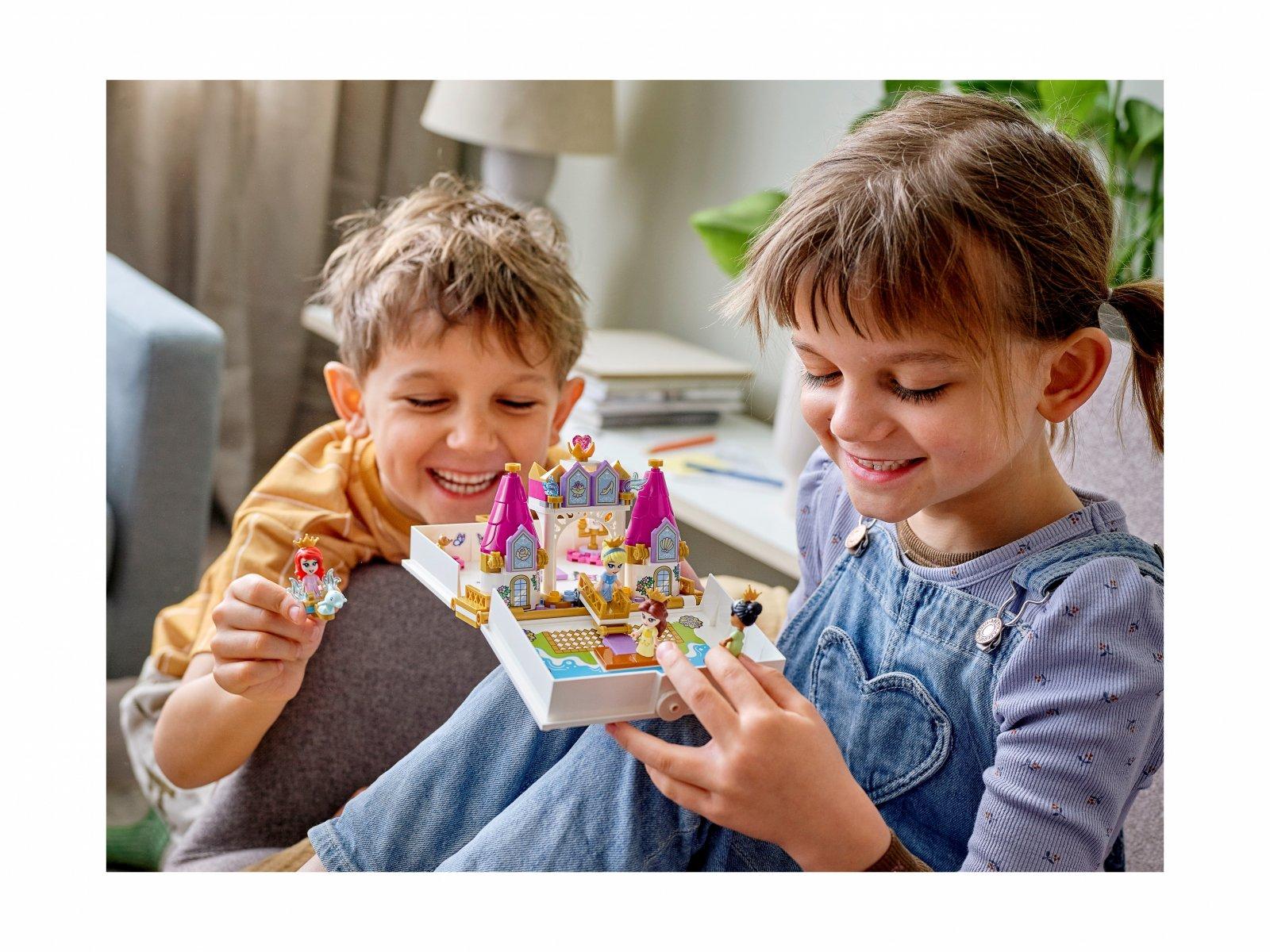 LEGO Disney Książka z przygodami Arielki, Belli, Kopciuszka i Tiany 43193
