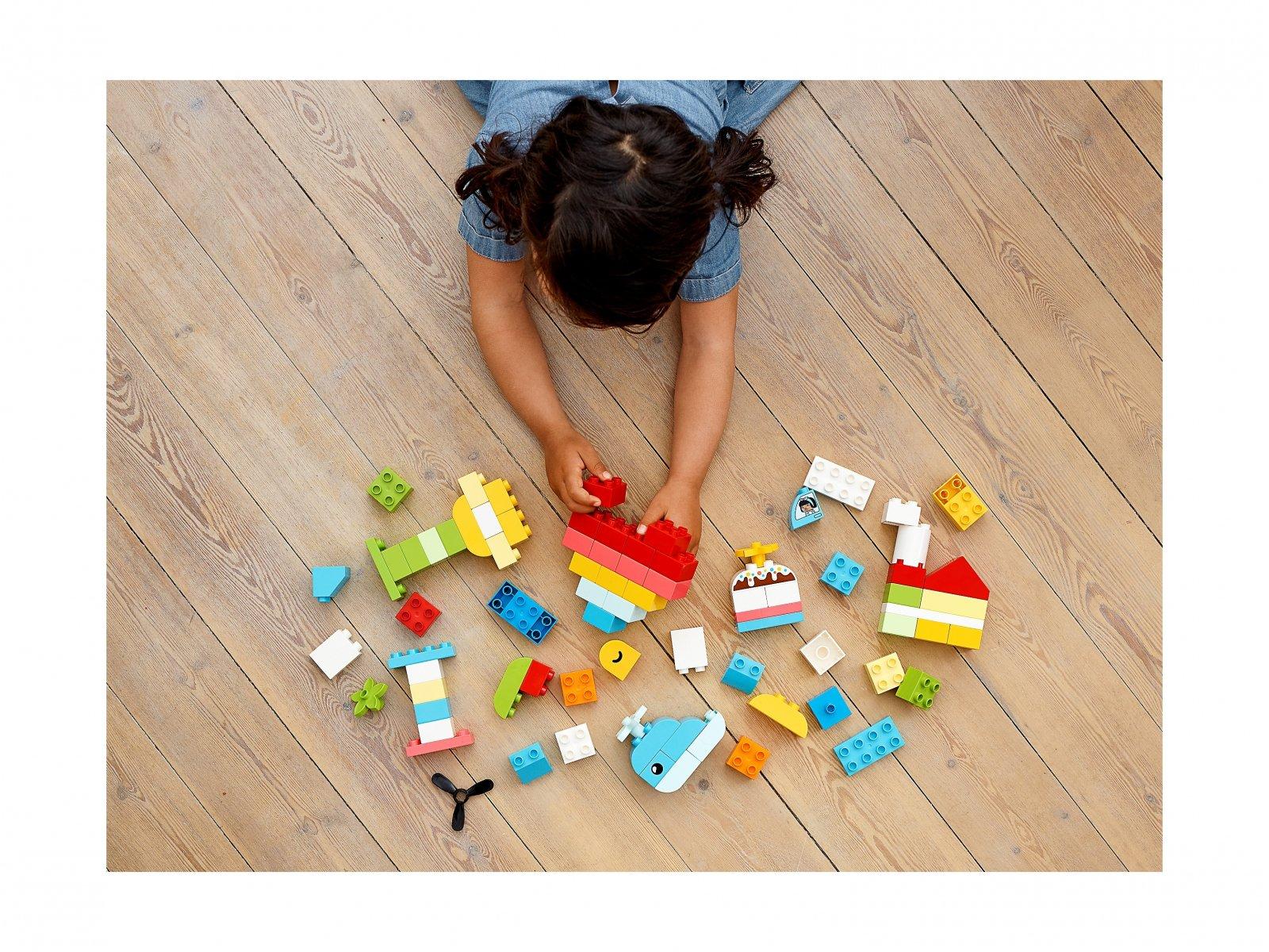 LEGO 10909 Pudełko z serduszkiem