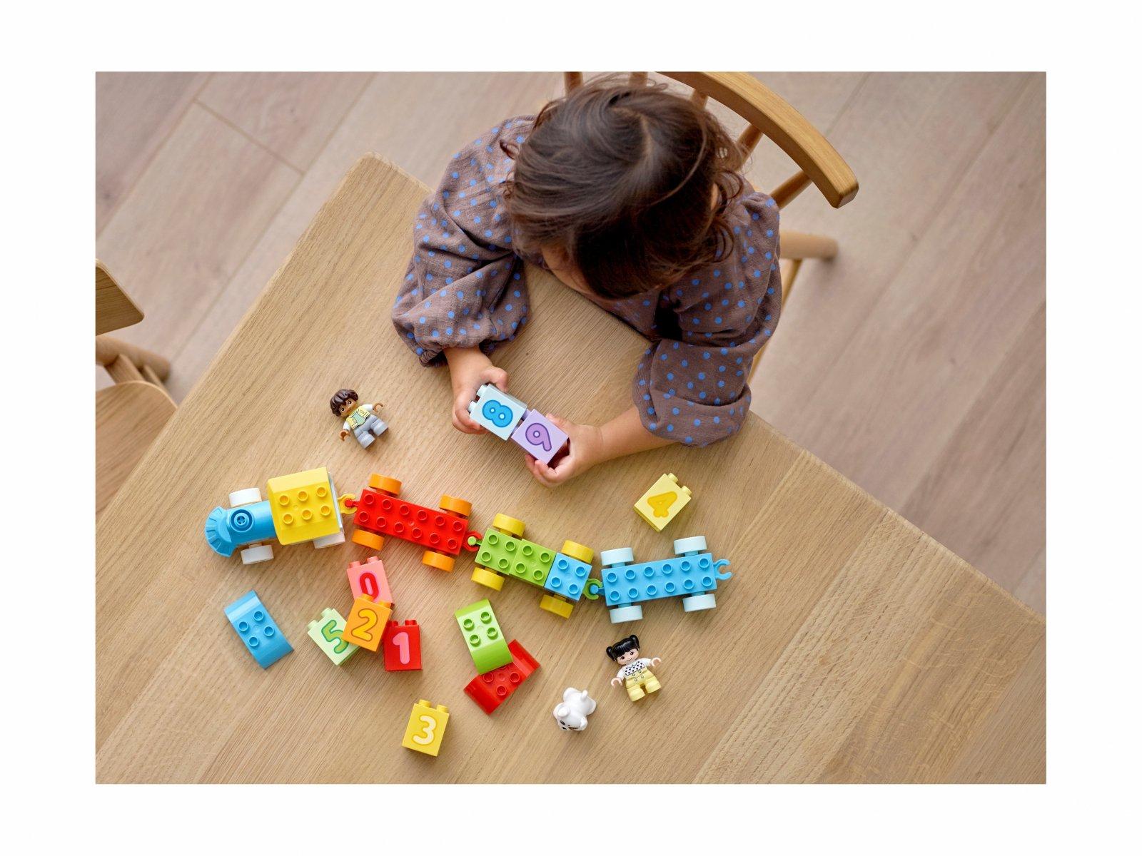 LEGO 10954 Pociąg z cyferkami — nauka liczenia