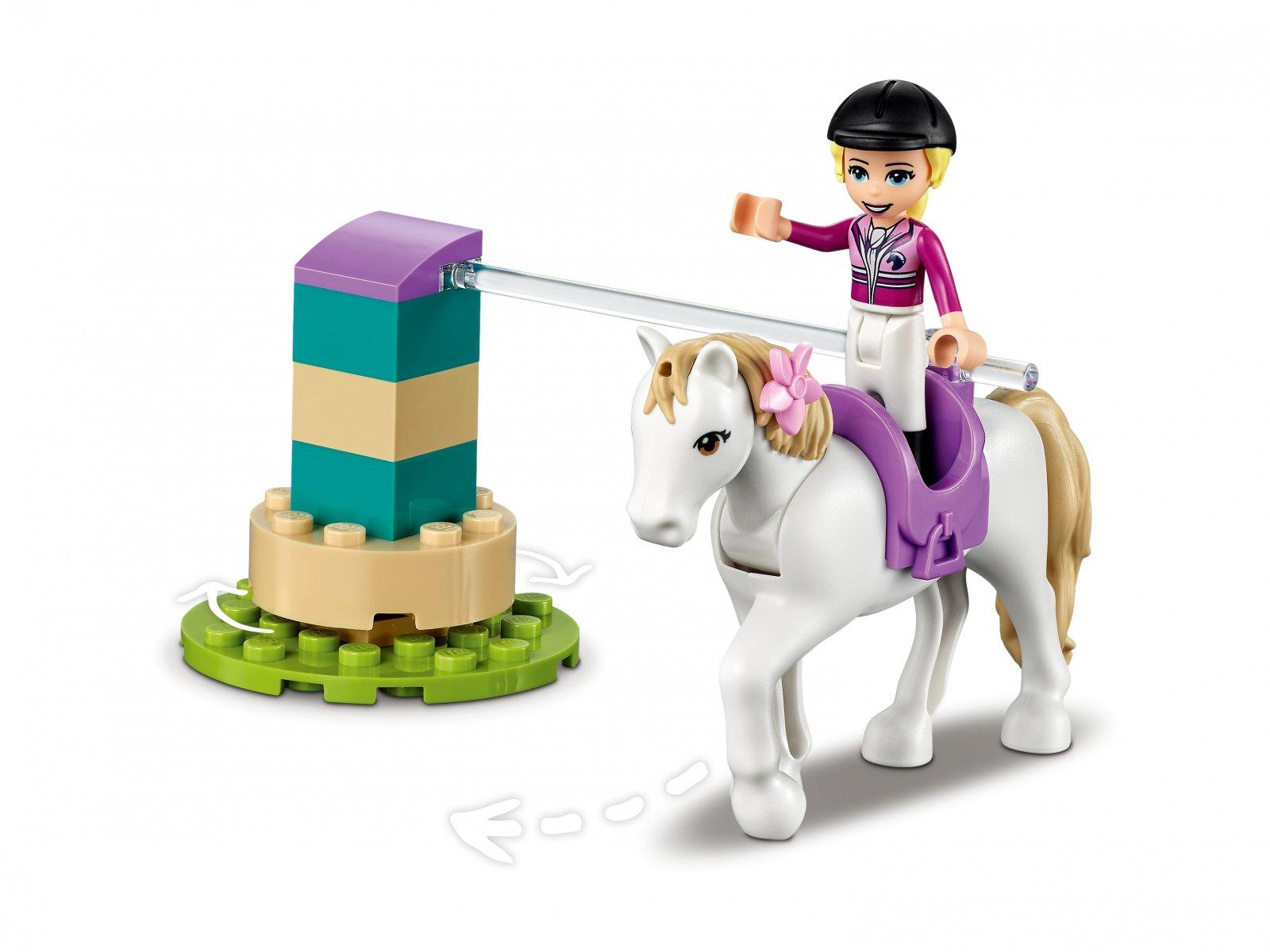 LEGO Friends 41441 Szkółka jeździecka i przyczepa dla konia