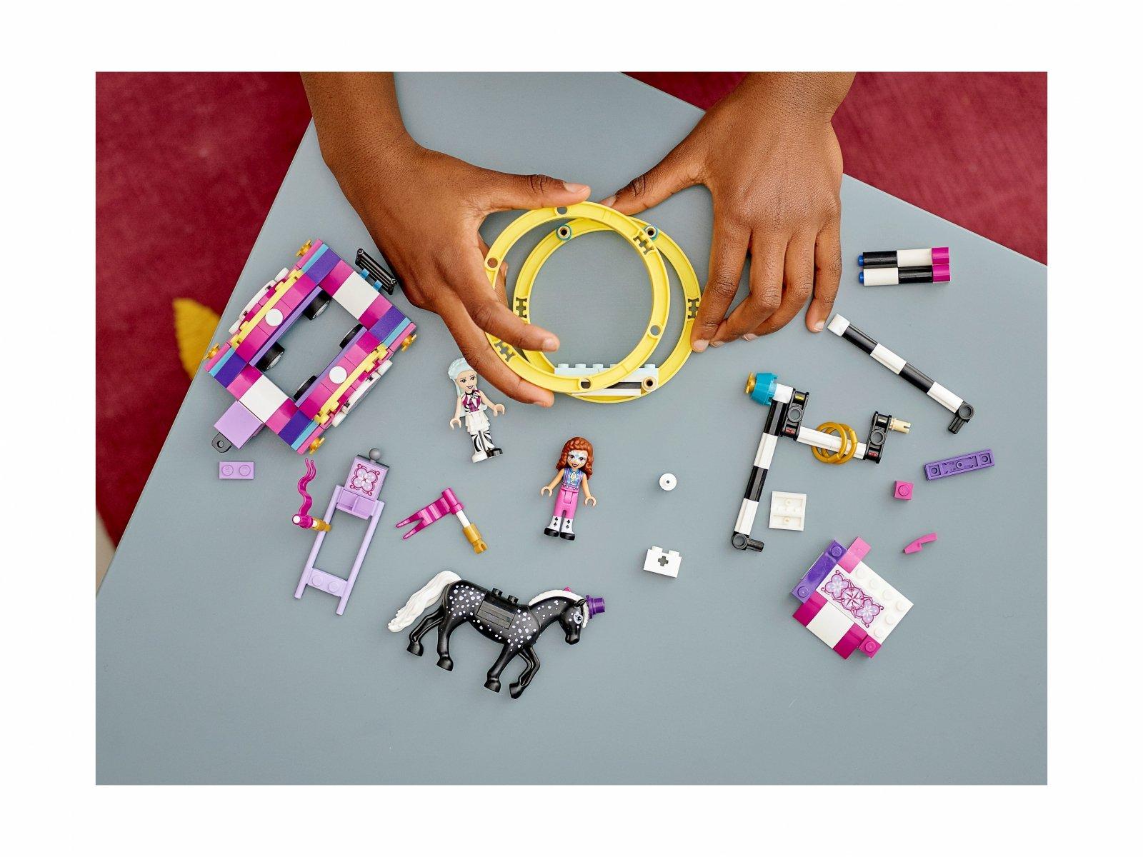 LEGO Friends Magiczna akrobatyka 41686