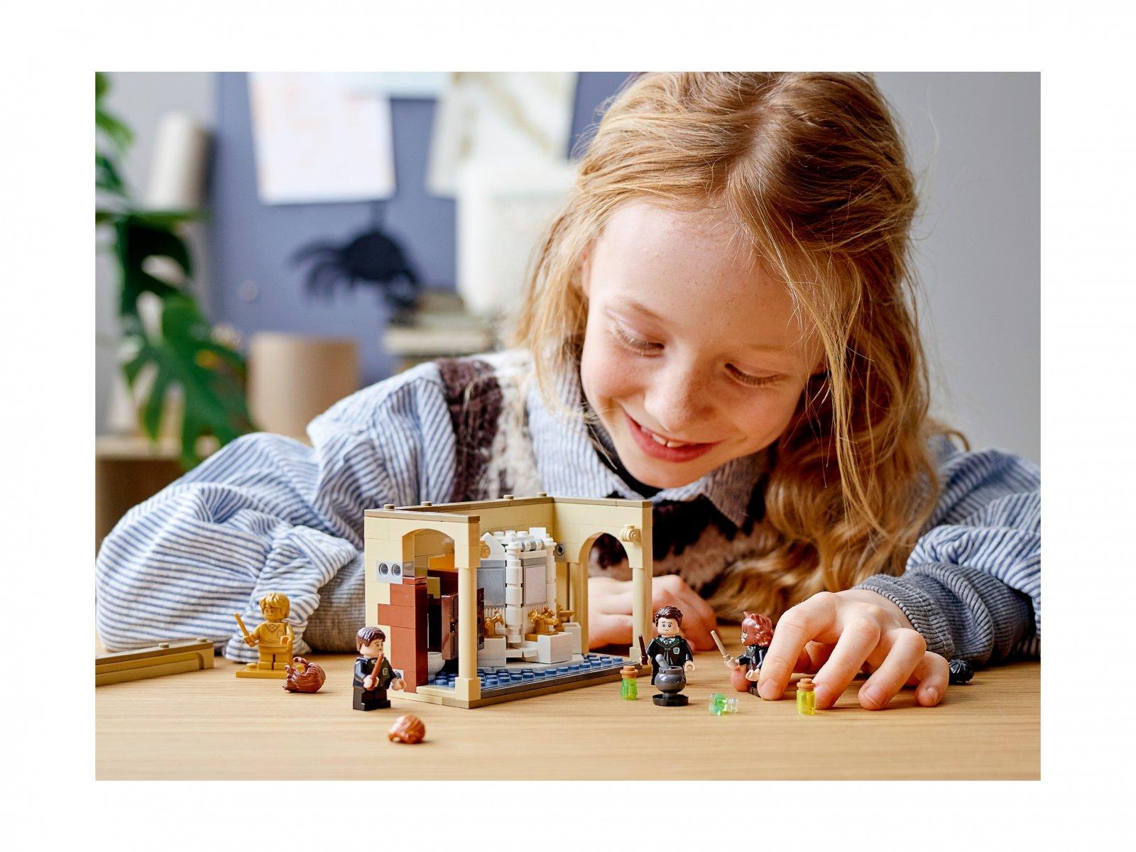 LEGO Harry Potter 76386 Hogwart™: pomyłka z eliksirem wielosokowym