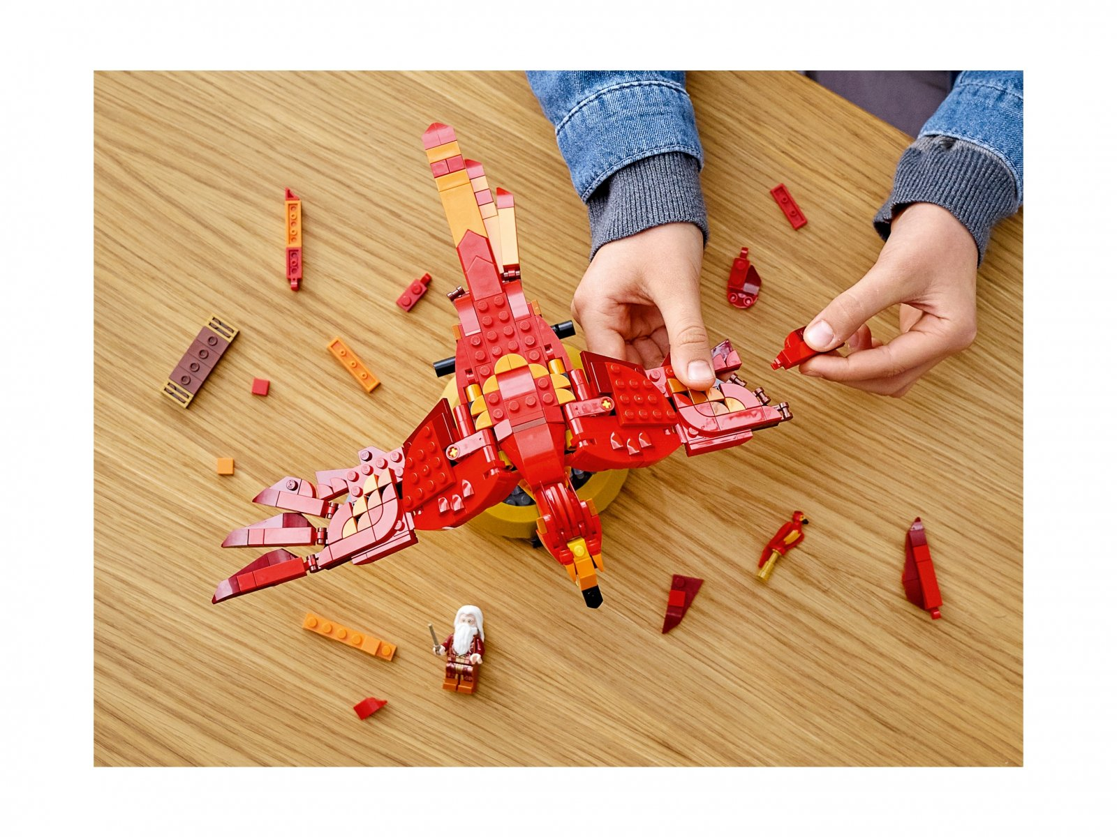 LEGO 76394 Fawkes, feniks Dumbledore'a