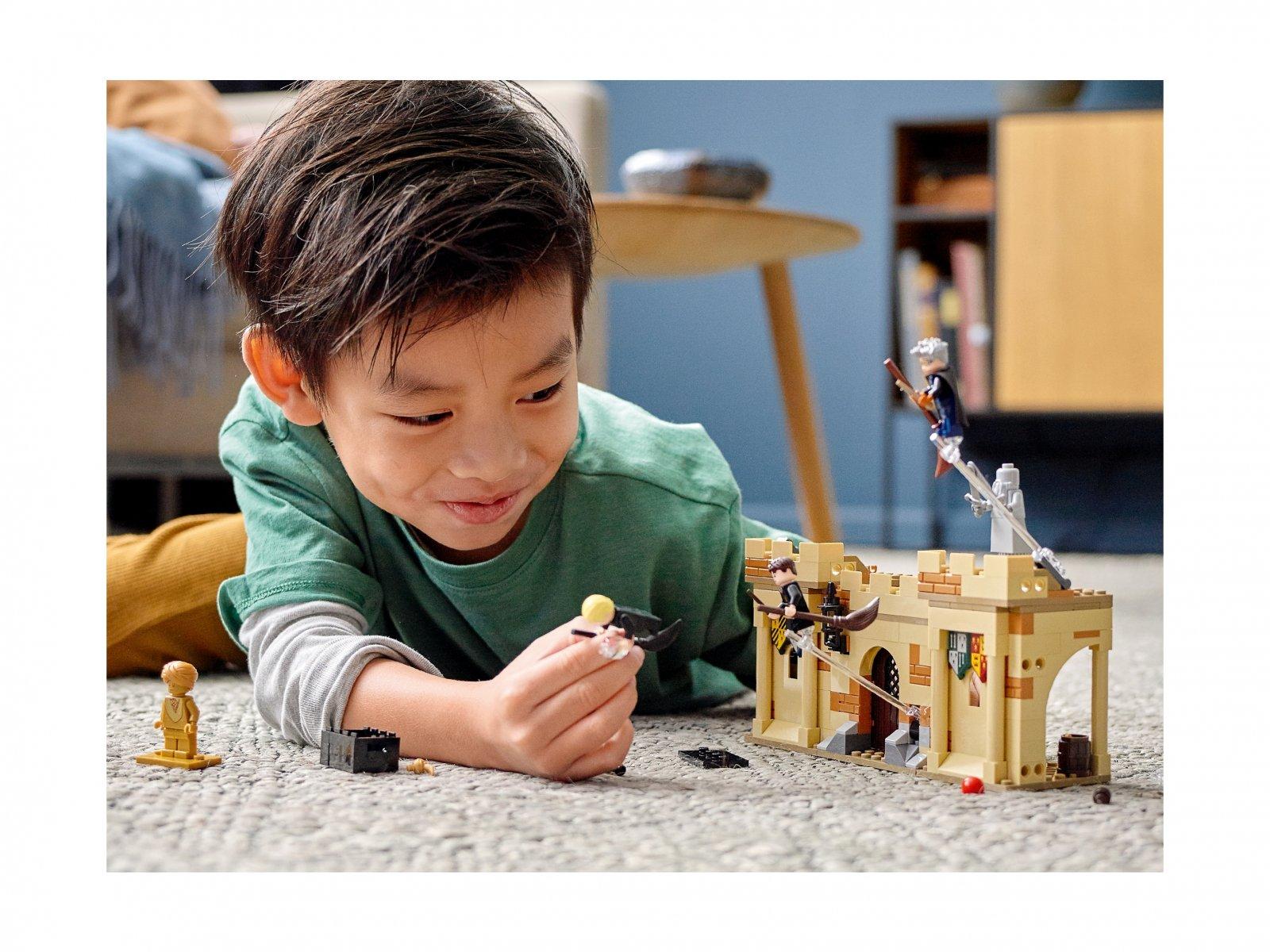 LEGO Harry Potter Hogwart™: Pierwsza lekcja latania 76395