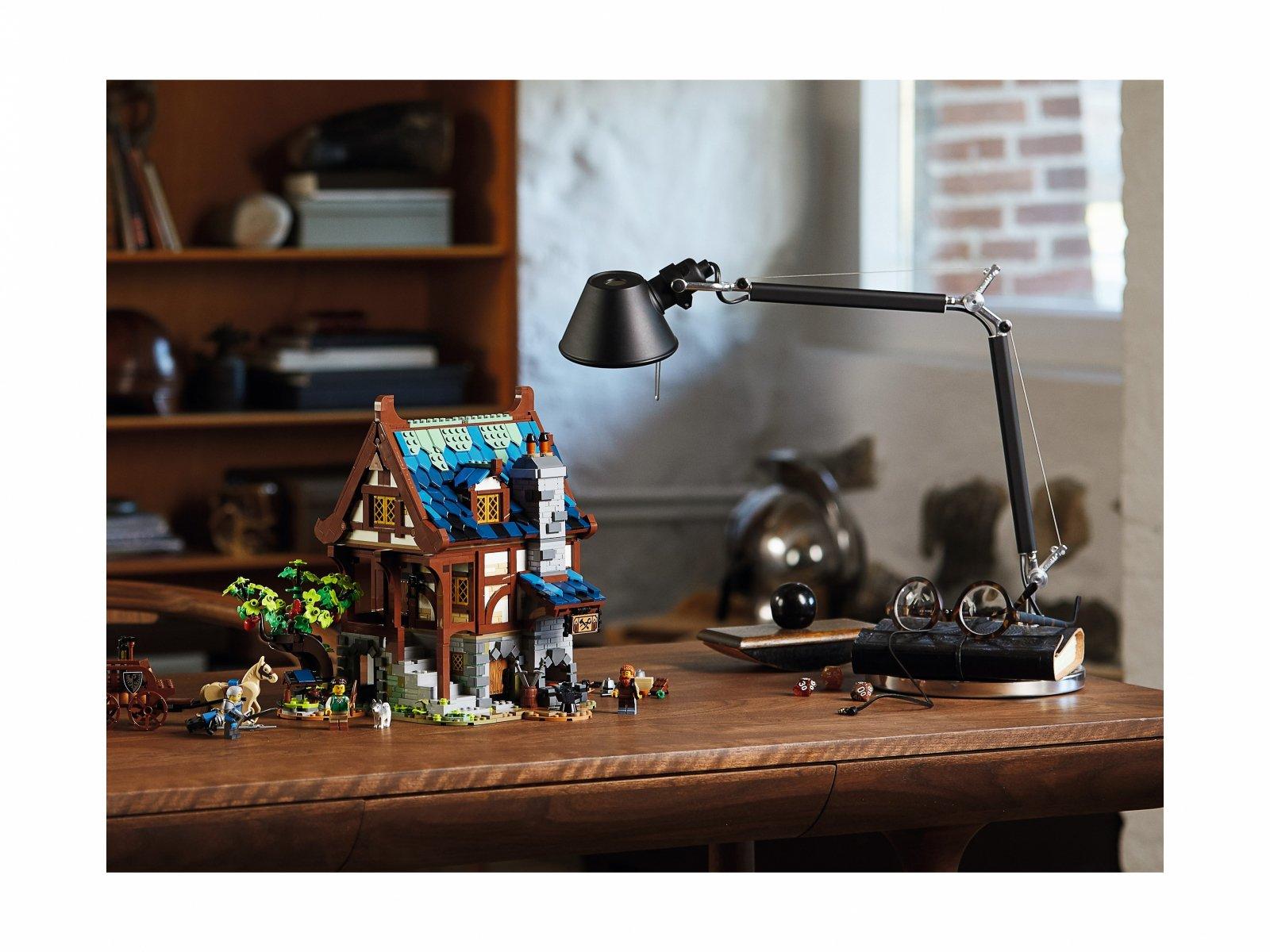 LEGO 21325 Ideas Średniowieczna kuźnia