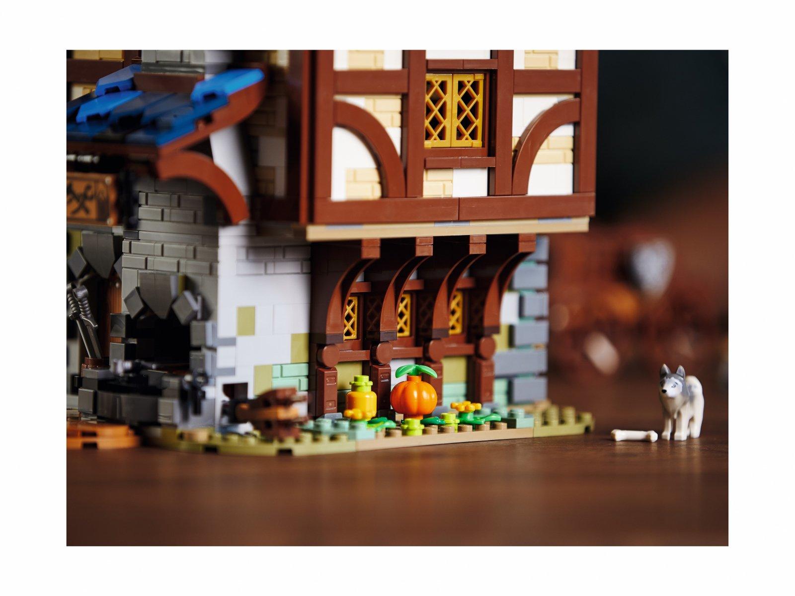 LEGO 21325 Średniowieczna kuźnia