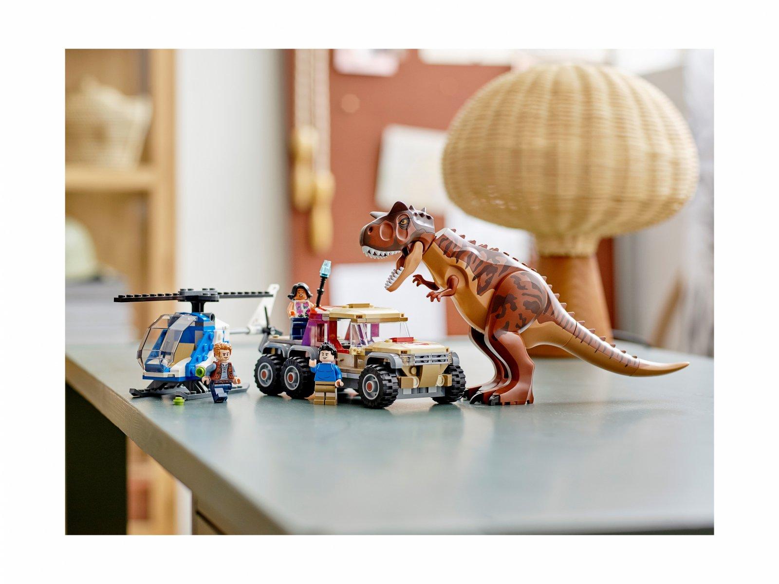 LEGO Jurassic World Pościg za karnotaurem 76941