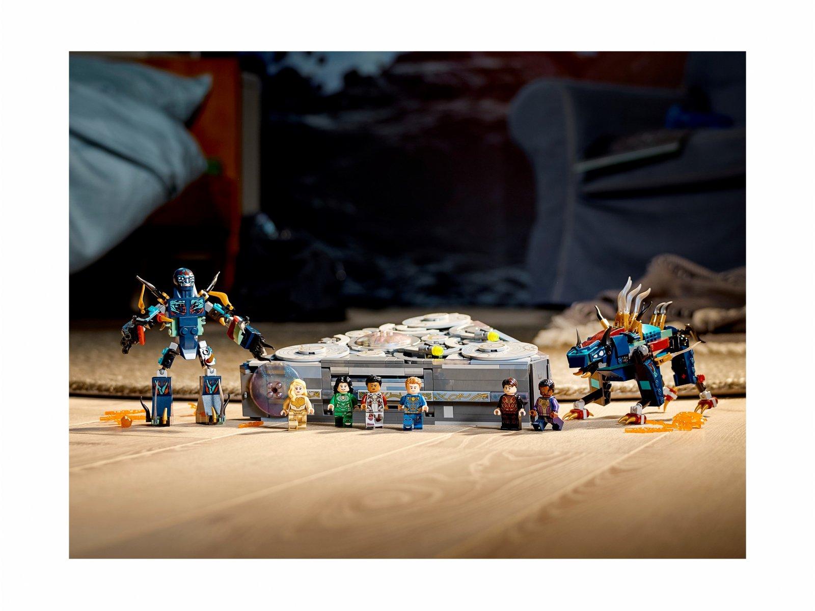 LEGO 76156 Domo powstaje