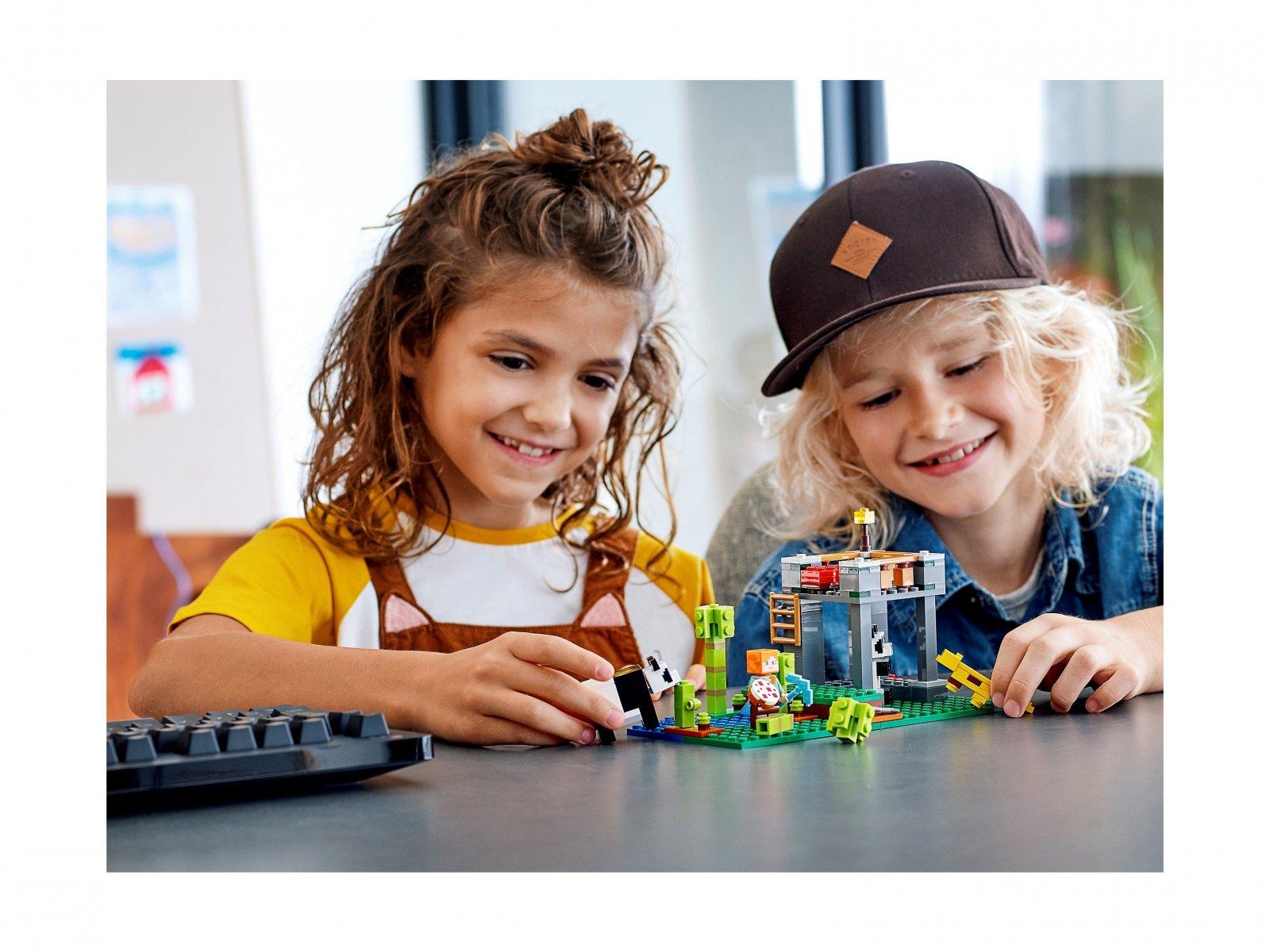 LEGO Minecraft™ Żłobek dla pand 21158