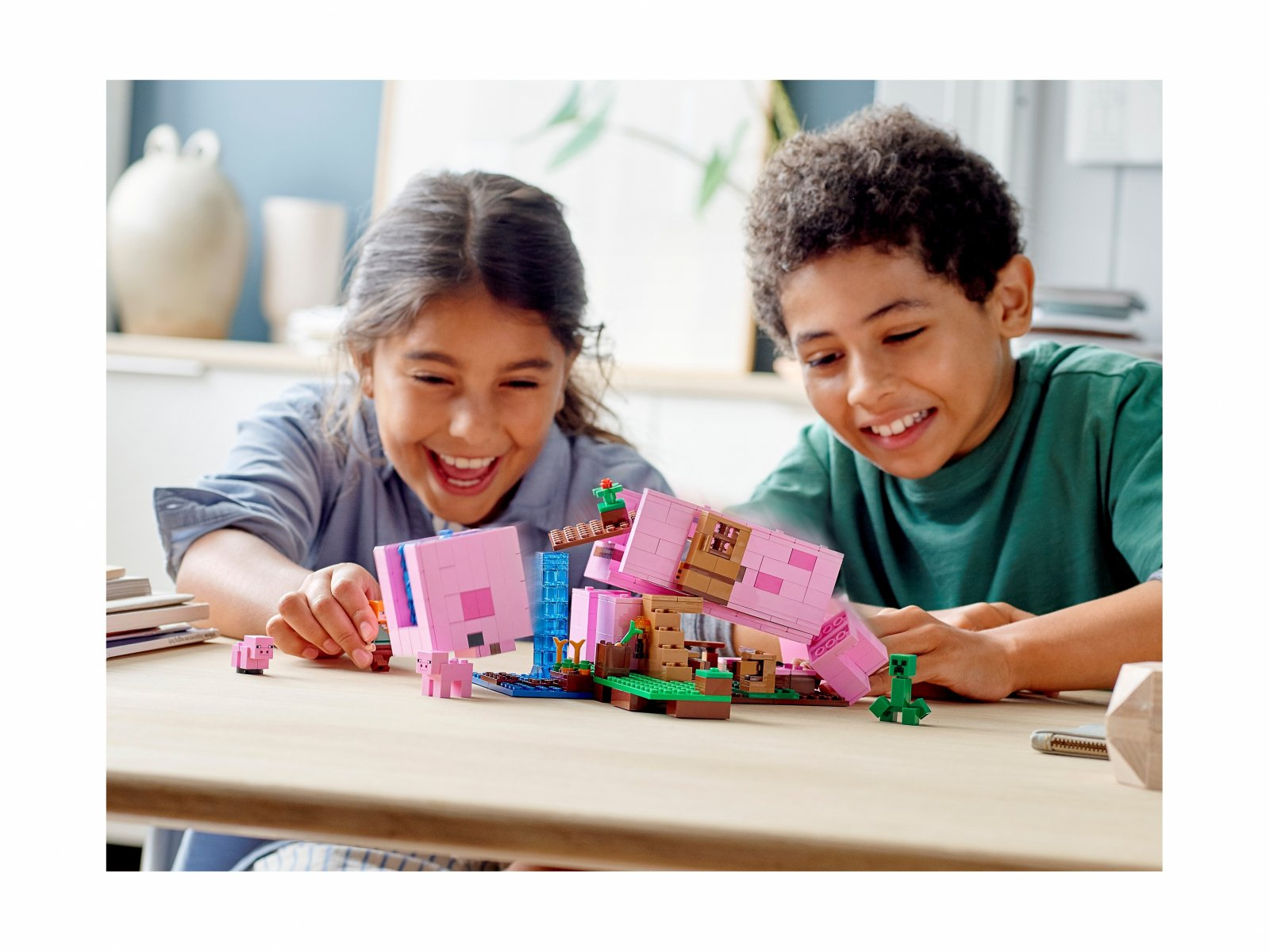 LEGO 21170 Minecraft Dom w kształcie świni