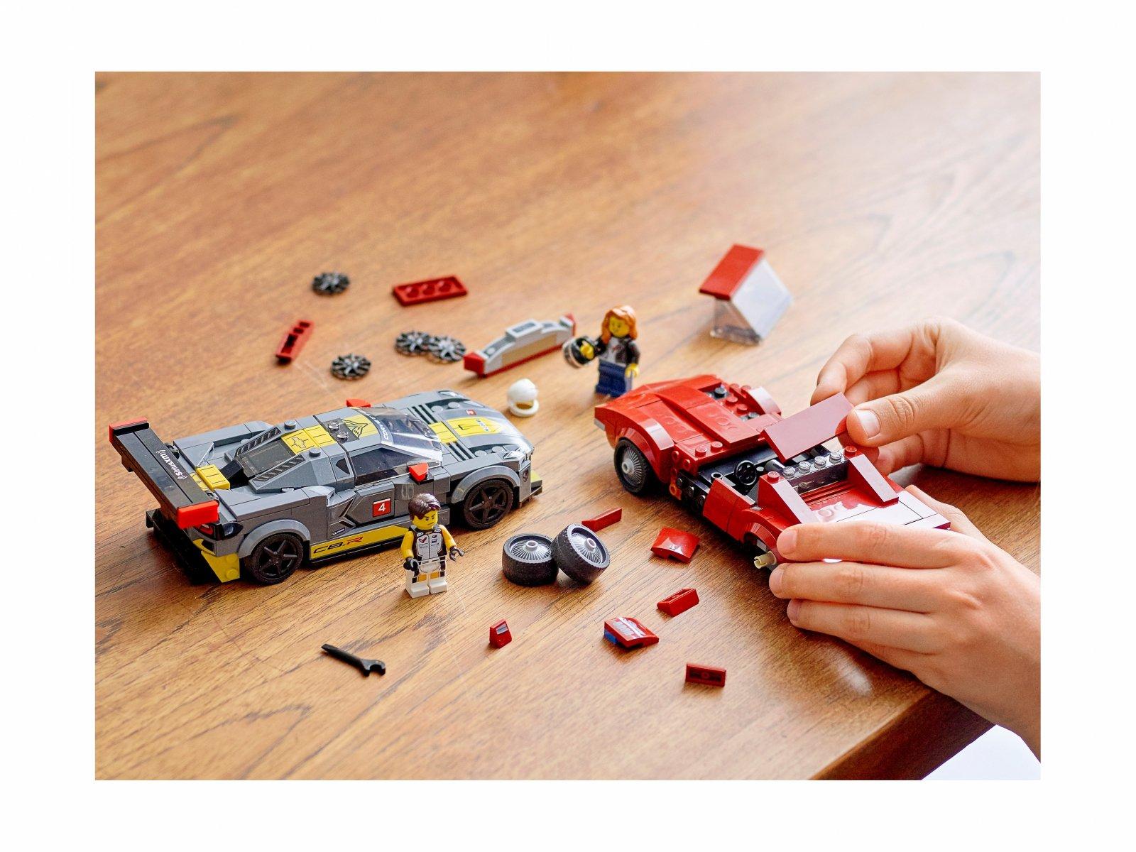 LEGO 76903 Speed Champions Samochód wyścigowy Chevrolet Corvette C8.R i 1968 Chevrolet Corv