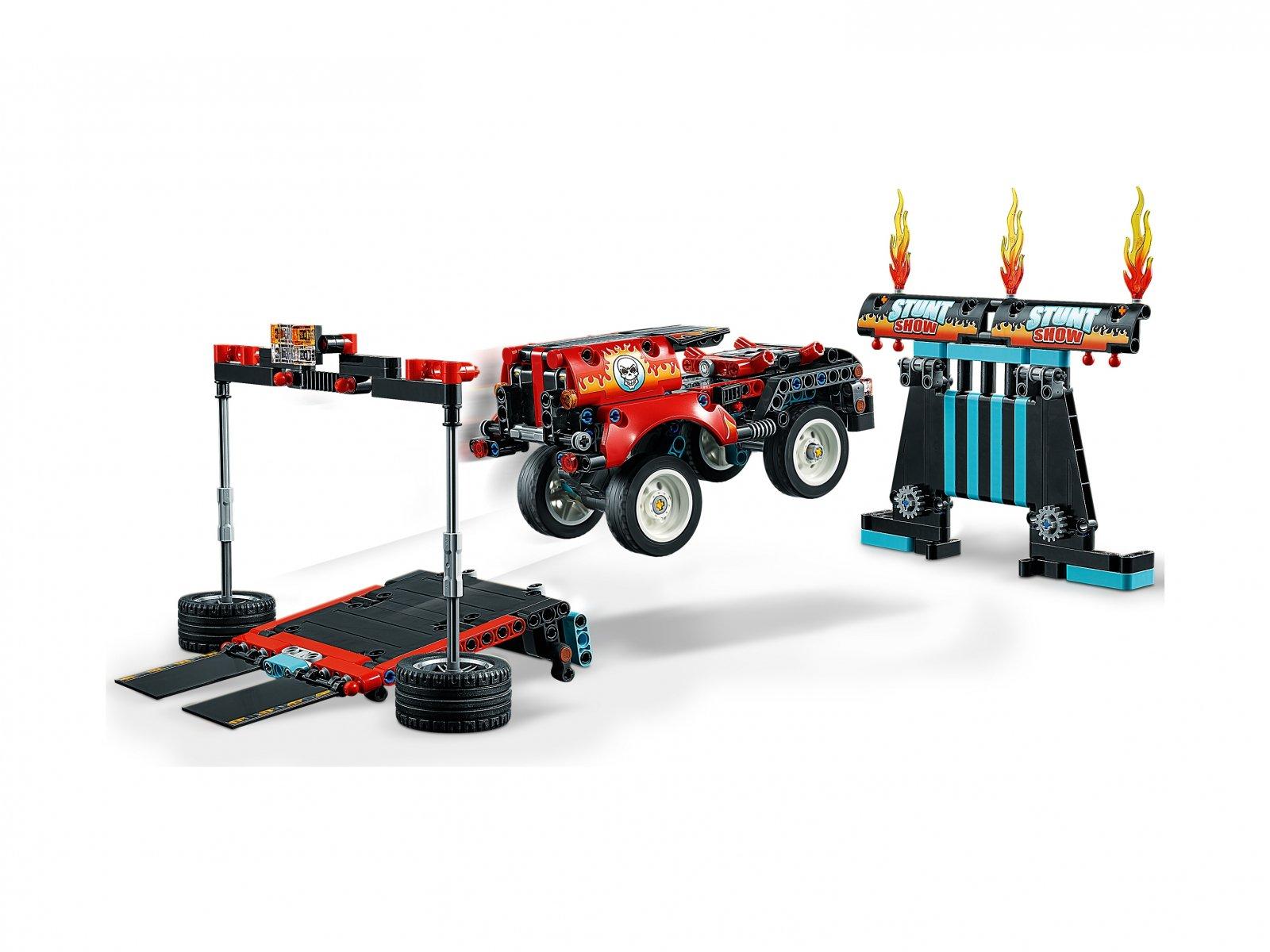 LEGO 42106 Technic Furgonetka i motocykl kaskaderski