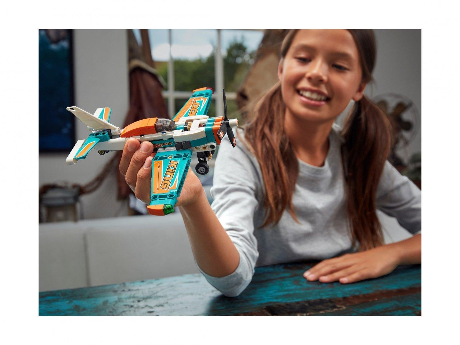 LEGO 42117 Technic Samolot wyścigowy