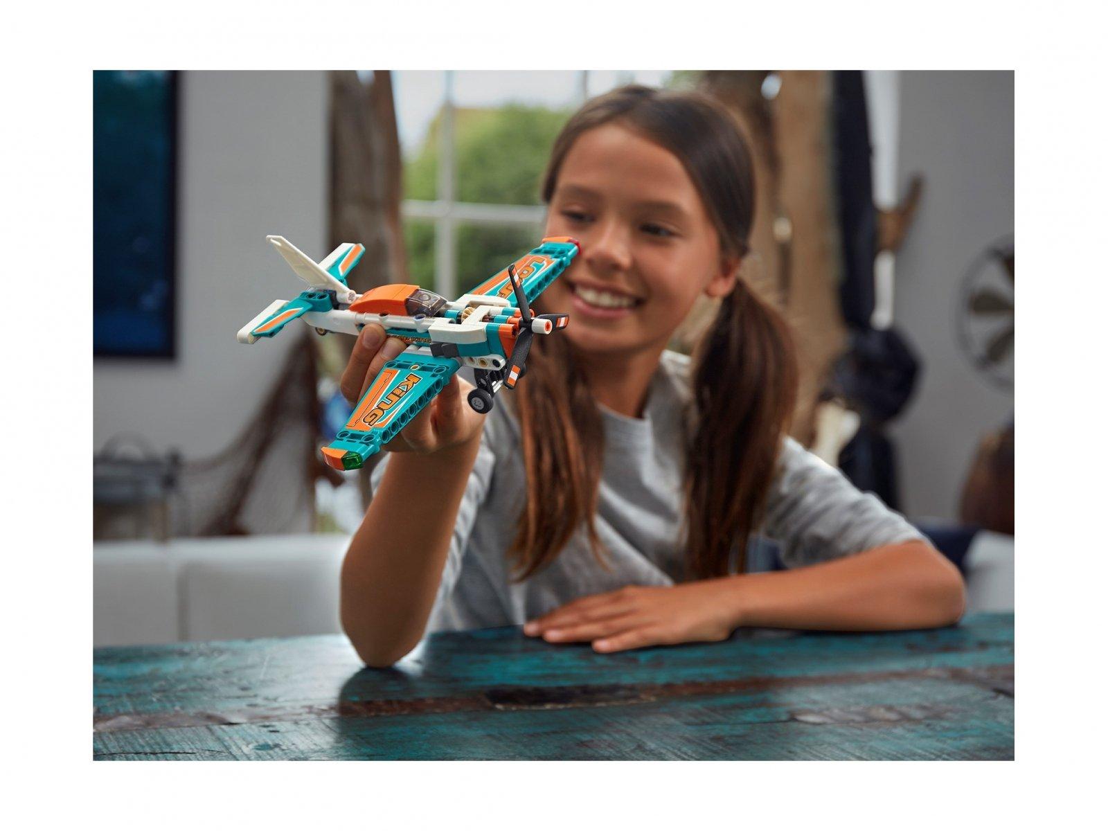 LEGO Technic 42117 Samolot wyścigowy