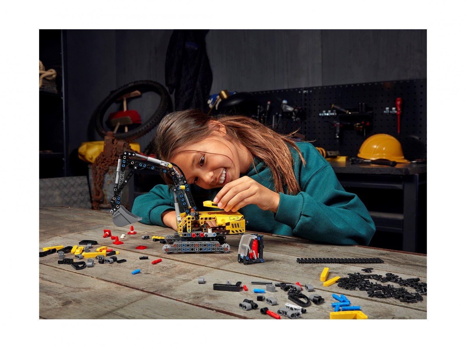 LEGO Technic Wytrzymała koparka 42121